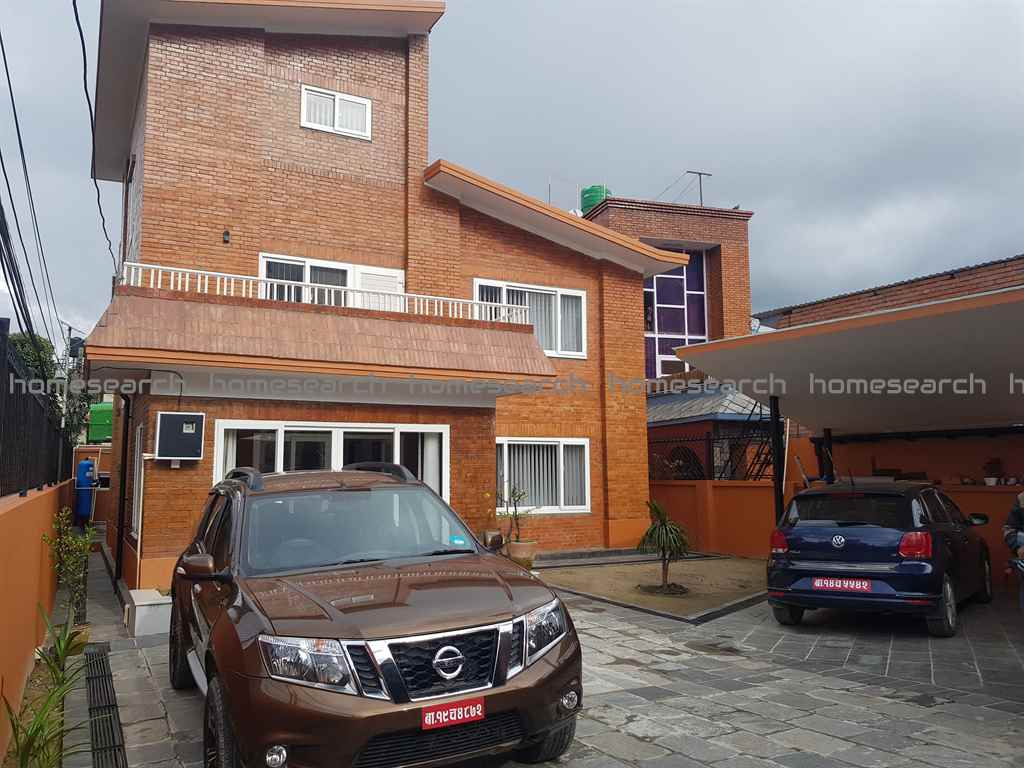 House for sale on 10 aana land at Khumaltar Height
