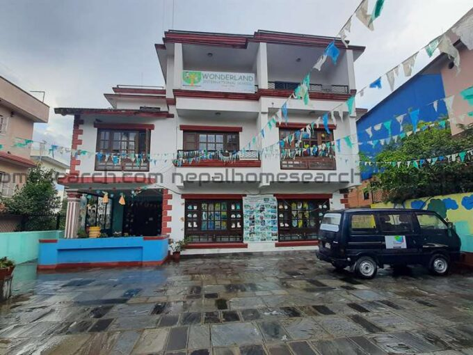 House for sale on 14 anna land at Dhapasi
