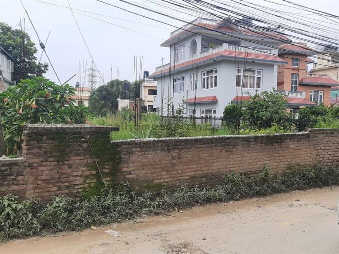 land for sale at Chandani Chowk