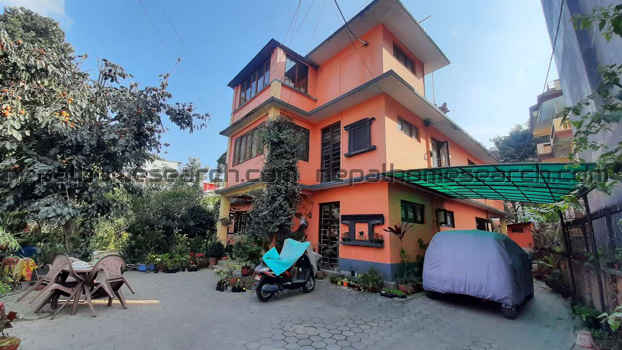 Old house for sale on 20 Anna land at Manbhawan Lalitpur